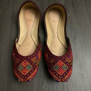 Artisan hand embroidered leather shoes flats 7.5